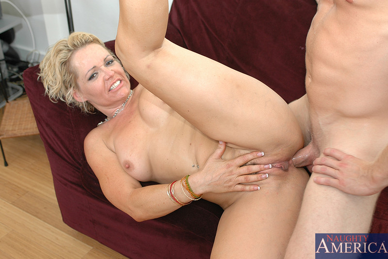 Mom anal video