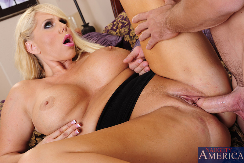 Images of Busty Cougars Fucking - Amateur Adult Gallery
